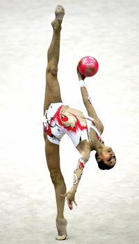 Красотка Ирина Чащина демонстрирует супер растяжку на чемпионатах фото #9