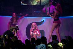 Катя Самбука оголилась на концерте в Перми фото #17