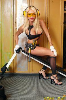 Катя Самбука в эротическом наряде фото #6