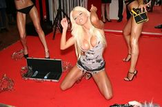 Горячая Катя Самбука зажигает на «Эрос Москва» фото #1