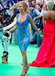 Глубокое декольте Кристины Асмус на церемонии «Муз ТВ» фото #6