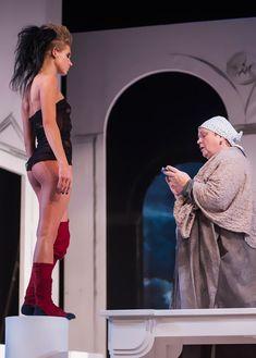 Сексуальная Кристина Асмус в спектакле «Язычники» фото #2