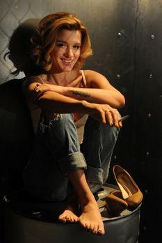 Горячая Ксения Бородина на съёмках клипа Евы Анри «Вокруг» фото #19