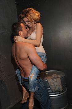 Горячая Ксения Бородина на съёмках клипа Евы Анри «Вокруг» фото #26