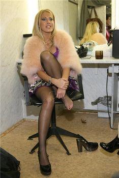 Откровенный наряд Ксении Собчак в гримёрке фото #2