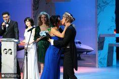 Эротические фото поцелуя Ксении Собчак на церемонии вручения премии «Человек года» фото #6