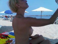 Голая грудь Леры Кудрявцевой на пляже фото #1