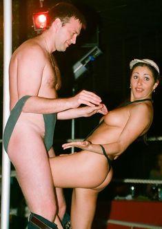 Любовь Тихомирова разделась в Стрип-клубе фото #7
