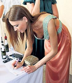 Сексуальная Любовь Толкалина засветила грудь на кинофестивале «Кинотавр» фото #1