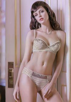 Мария Сёмкина в нижнем белье для рекламы фото #6
