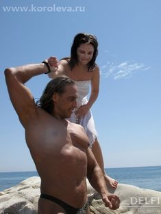 Наташа Королёва без одежды на фотосессии с Тарзаном фото #2