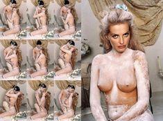 Полностью голая Ольга Родионова в The Book of Olga фото #27