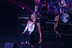 Светлана Лобода танцует стриптиз для фаната фото #4