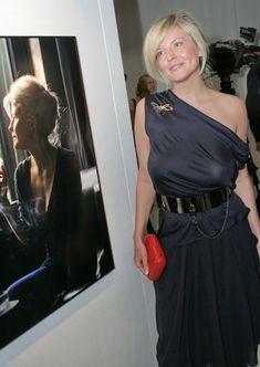 Татьяна Арно без бюстгальтера в платье фото #2