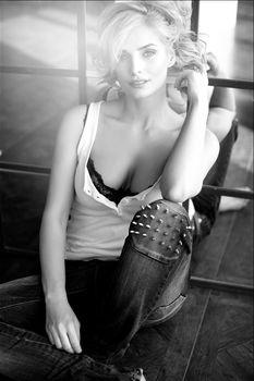 Обворожительная Татьяна Котова позирует для фотосессии Юлии Светски фото #2