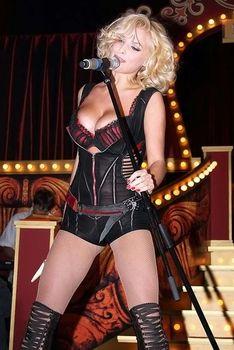 Развратный наряд Татьяны Котовой на вечеринке Playboy фото #3
