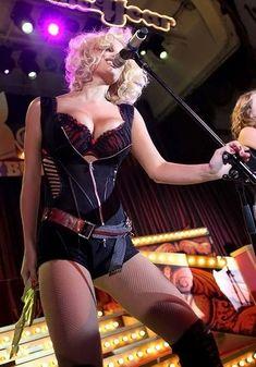 Развратный наряд Татьяны Котовой на вечеринке Playboy фото #6
