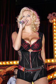 Развратный наряд Татьяны Котовой на вечеринке Playboy фото #7