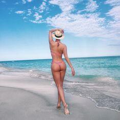 Татьяна Котова в бикини на пляже в Майами фото #3