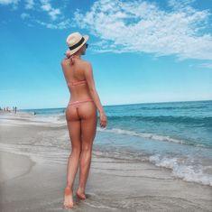 Татьяна Котова в бикини на пляже в Майами фото #4