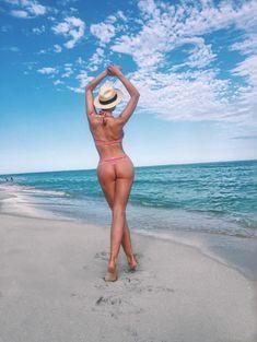 Татьяна Котова в бикини на пляже в Майами фото #5
