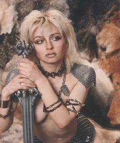 Свисающая грудь Татьяны Овсиенко фото #1