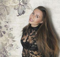 Юлия Михалкова в прозрачном белье засветила сосок фото #3