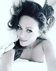 Юлия Началова засветила сосок в Instagram фото #1