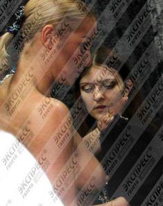 Анастасия Волочкова засветила голую грудь в гримёрке фото #1