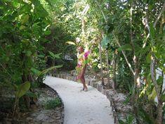 Анастасия Волочкова показала голую грудь на Мальдивских островах фото #4