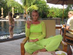 Анастасия Волочкова показала голую грудь на Мальдивских островах фото #6