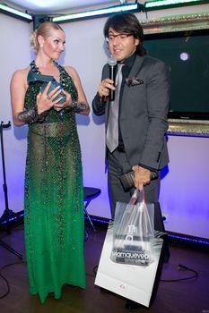 Анастасия Волочкова в просвечивающем платье на вручении премий «Прорыв года» фото #4