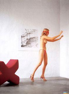 Голая грудь Анастасии Трегубовой в журнале Playboy фото #4