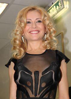 Анжелика Варум в возбуждающем наряде на «Творческом вечере Игоря Николаева» фото #1