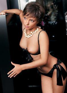 Голая грудь Галины Звягинцевой в журнале Moulin Rouge фото #4