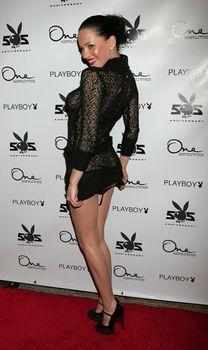 Даша Астафьева в прозрачном платье снимает трусики на 55-ой вечеринке Playboy фото #4
