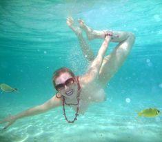 Елена Ленина показала голую грудь под водой на отдыхе на Мальдивских островах фото #6