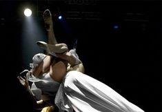 Пикантный образ Ксении Собчак на вечеринке Playboy фото #10