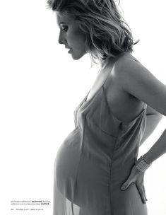 Беременная Ксения Собчак обнажилась для журнала TATLER фото #5