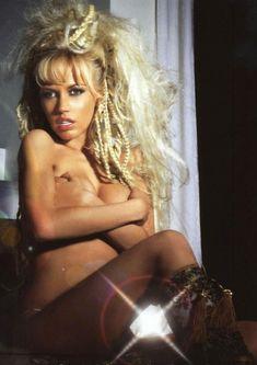 Эротичная Маша Малиновская в журнале «MAXIM» фото #4