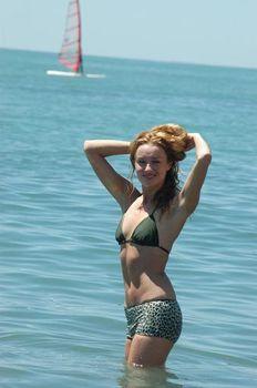 Наталья Гудкова в бикини на фестивале «Кинотавр» фото #2