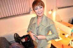 Ольга Тумайкина раздевается в гримерке фото #1