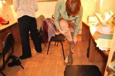 Ольга Тумайкина раздевается в гримерке фото #4