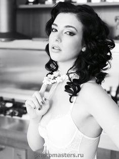 Татьяна Федоровская в эротическом белье на кухне фото #3