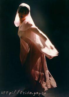 Фрида оголила грудь для журнала «Дайк» фото #8