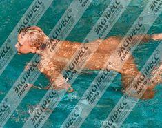 Юлия Шилова купается голой в бассейне фото #3