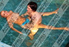 Юлия Шилова купается голой в бассейне фото #14