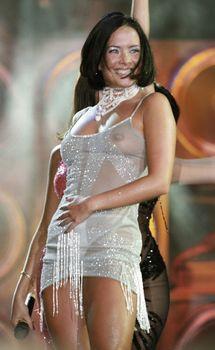 Жанна Фриске без лифчика в прозрачном платье на концерте фото #1