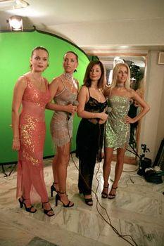 Жанна Фриске без лифчика в прозрачном платье на концерте фото #8