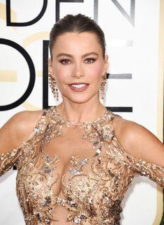 София Вергара в эротическом наряде на Golden Globe Awards фото #1